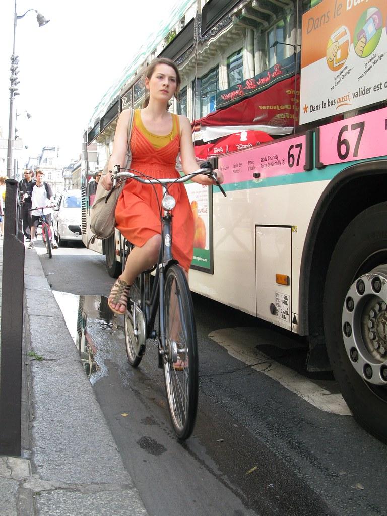 copenhagen cycle chic goes to paris the copenhagenizing of flickr. Black Bedroom Furniture Sets. Home Design Ideas
