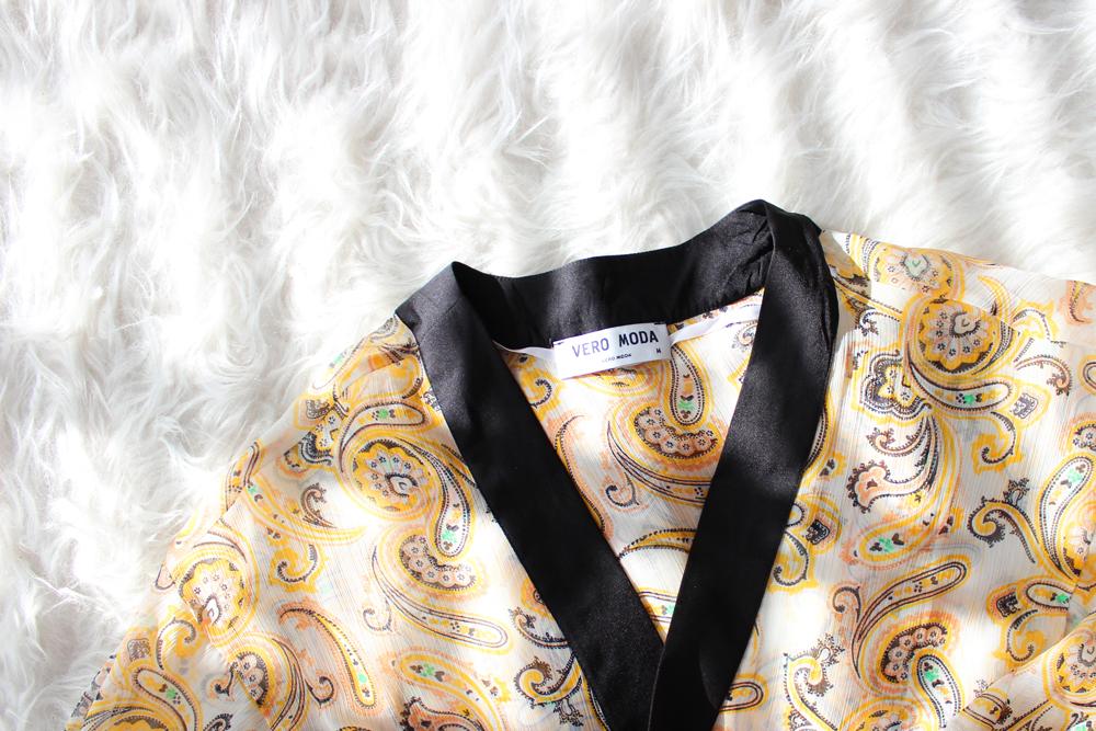15_beach_bag_essentials_cover_up