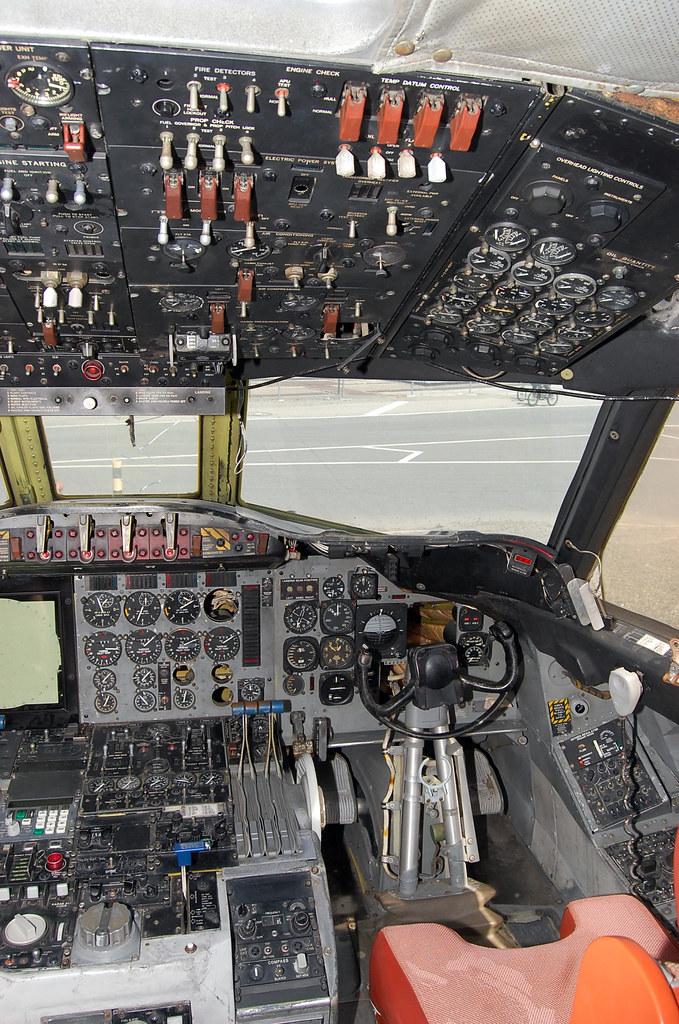 P-3 Orion Cockpit | NASA Ames Research Center, Moffett ...