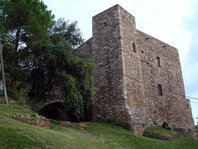 Castell cartoixa de vallparad s terrassa castell - Garden terrassa ...