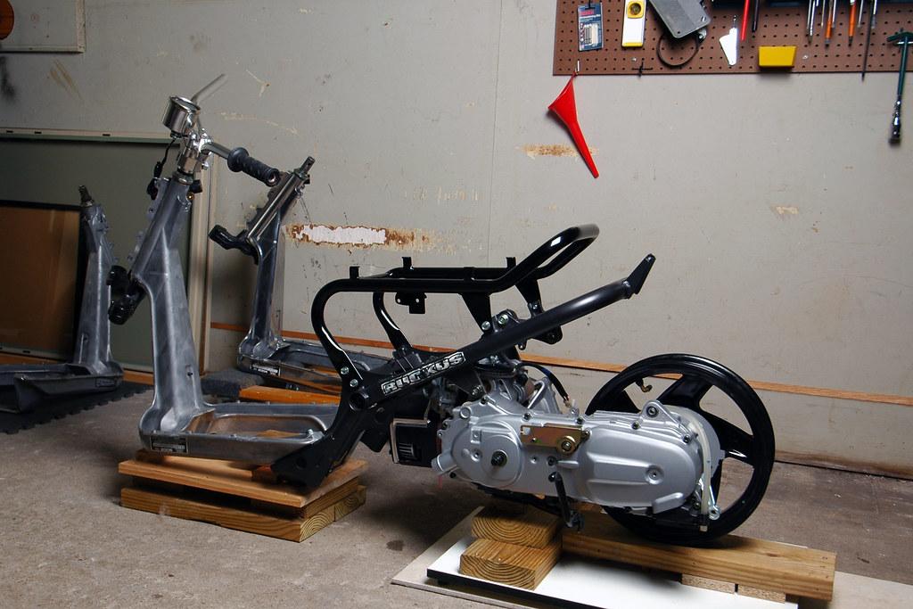 DSC_3615 Honda Ruckus   Grand Axis 100 motor in a Ruckus fra…   Flickr