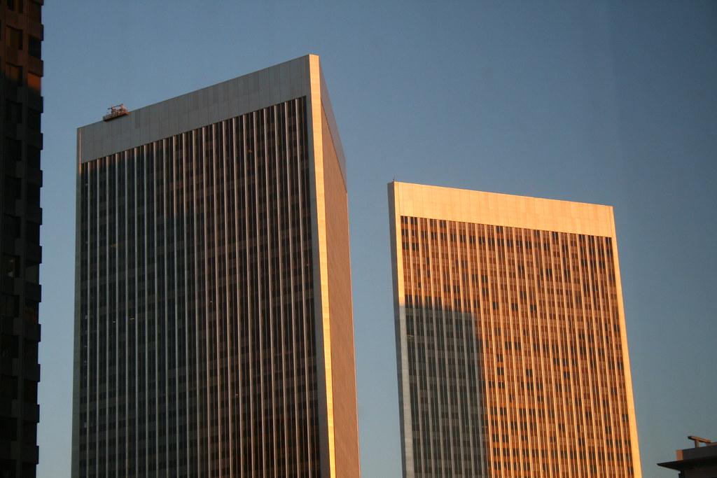 Twin Towers Century City Restaurants
