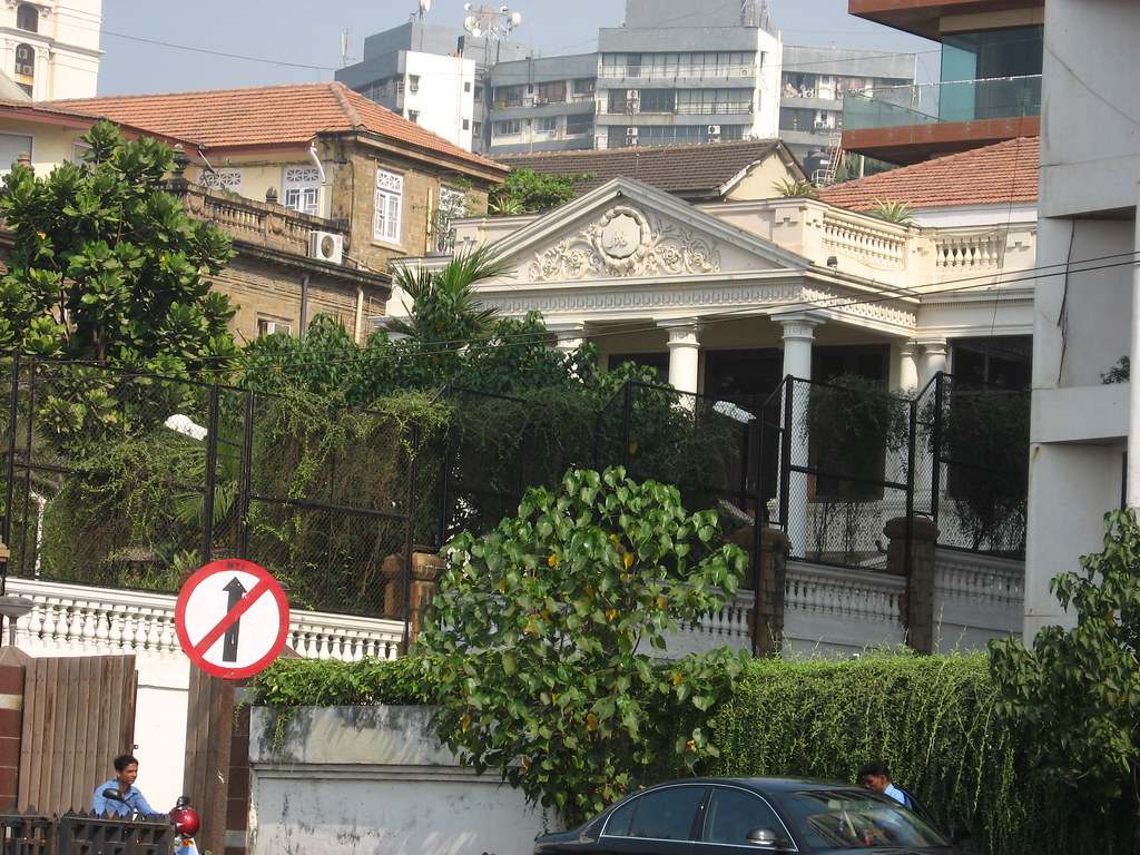 Mannat King Khan 39 S Abode This Bungalow In White