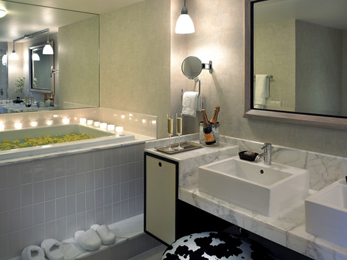 Luxurious bathroom hotel palomar dallas this dallas for Best boutique hotel bathrooms