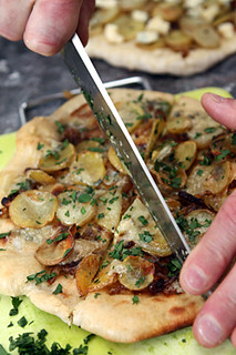 slicing potato blue cheese pizza | by David Lebovitz