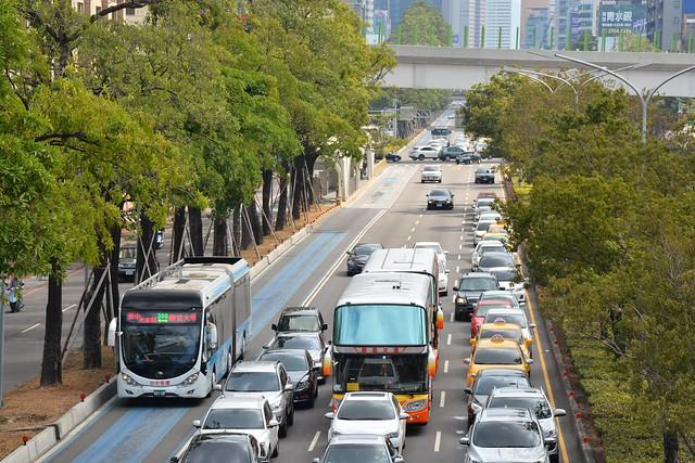 台灣大道幹線公車專用道