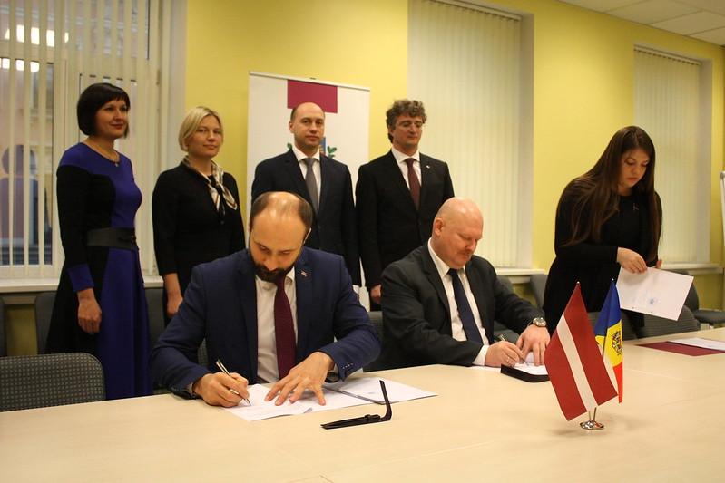 Type to search your albumsLatvijas un Moldovas probācijas dienesti noslēdz sadarbības memorandu