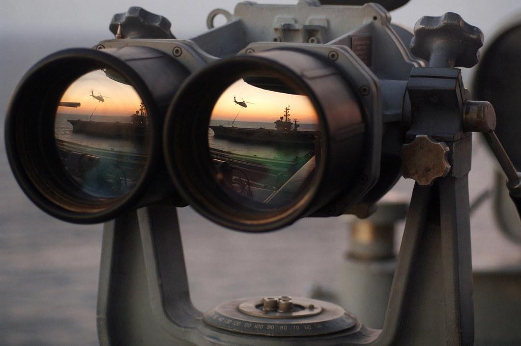 筆者は精緻な美しさを持つ双眼鏡などの光学機器が大好きです。今回は過酷な環境の中で使用される軍用や海洋用、そして天文観測用双眼鏡のランキングをお届けします。このランキングは筆者が個人的に選出したものです。皆さんもお好きな物でランキングを作ってみてはいかがですか?のサムネイル画像