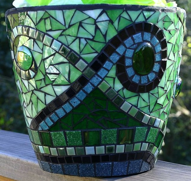 mosaic pot jackienoyes flickr. Black Bedroom Furniture Sets. Home Design Ideas