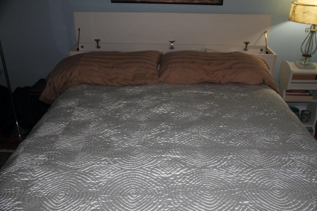 Queen Storage Bed  Drawer