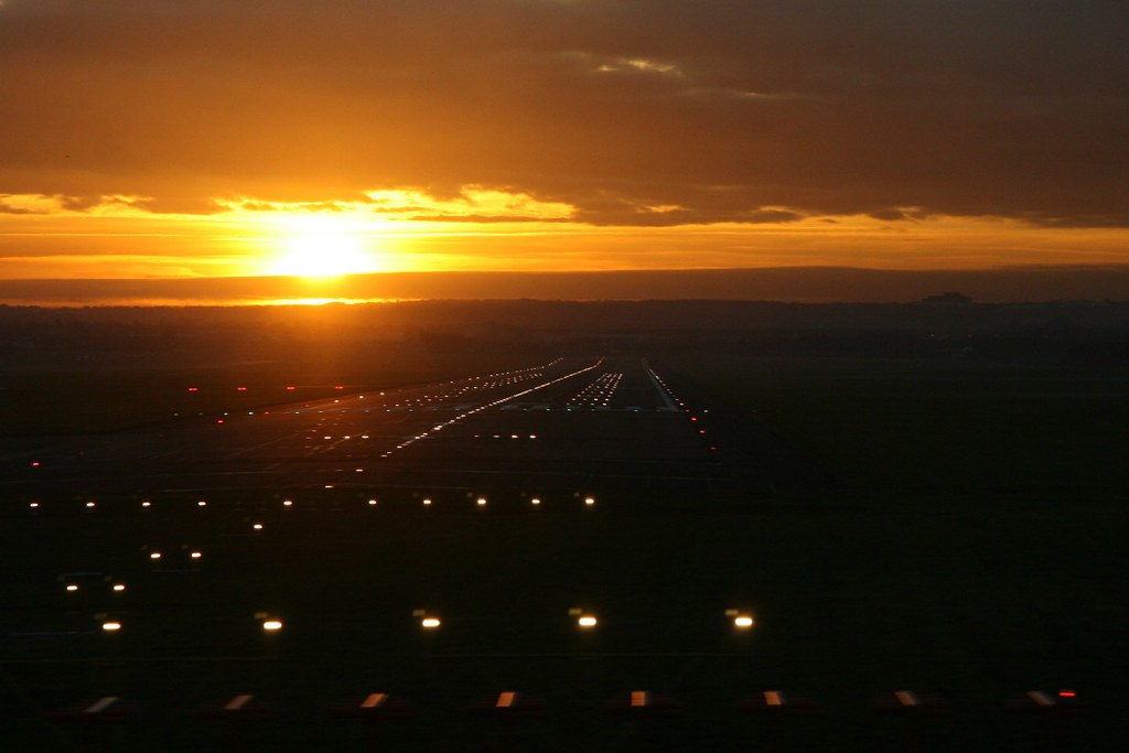 Edinburgh Airport Runway At Sunset This Picture Was Snappe Flickr