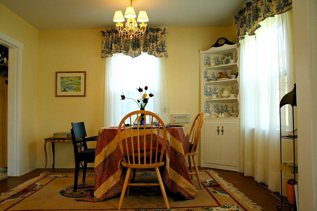 Renovation Dining Room Mixed Art And Culture Small Chandelier With Toile Curtains