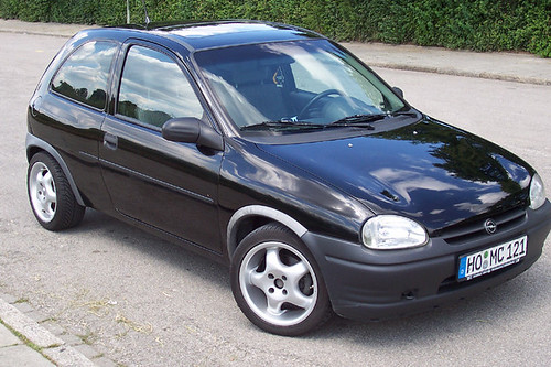 opel corsa b 1 4 my first car 1996 2002 opel corsa b c flickr. Black Bedroom Furniture Sets. Home Design Ideas