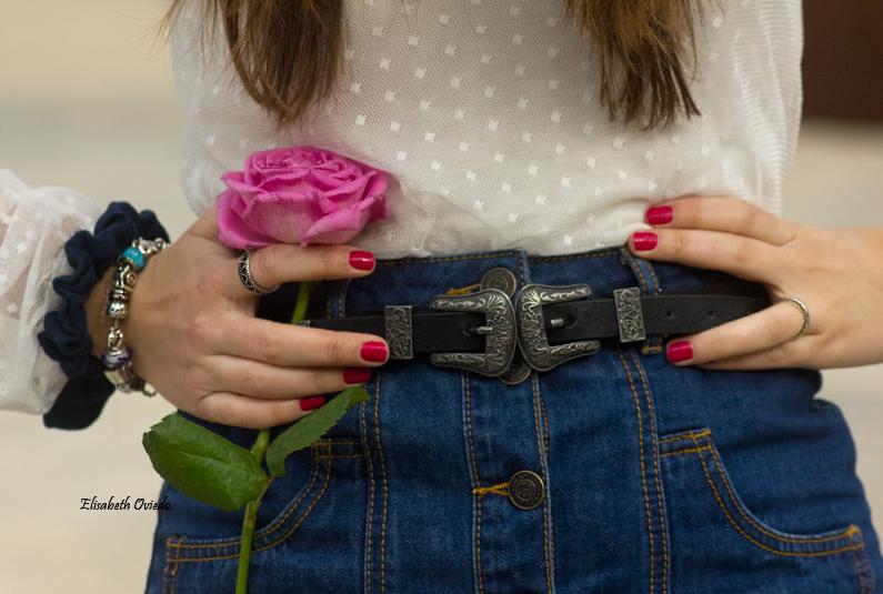 falda midi vaquera abrigo rosa zara heelsandroses botas negras stradivarius (3)