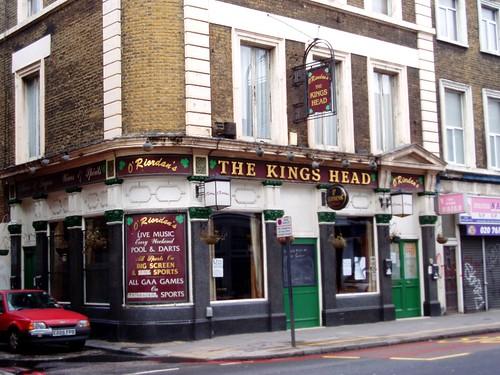 kings head hoxton e2 oldfashioned pub on kingsland