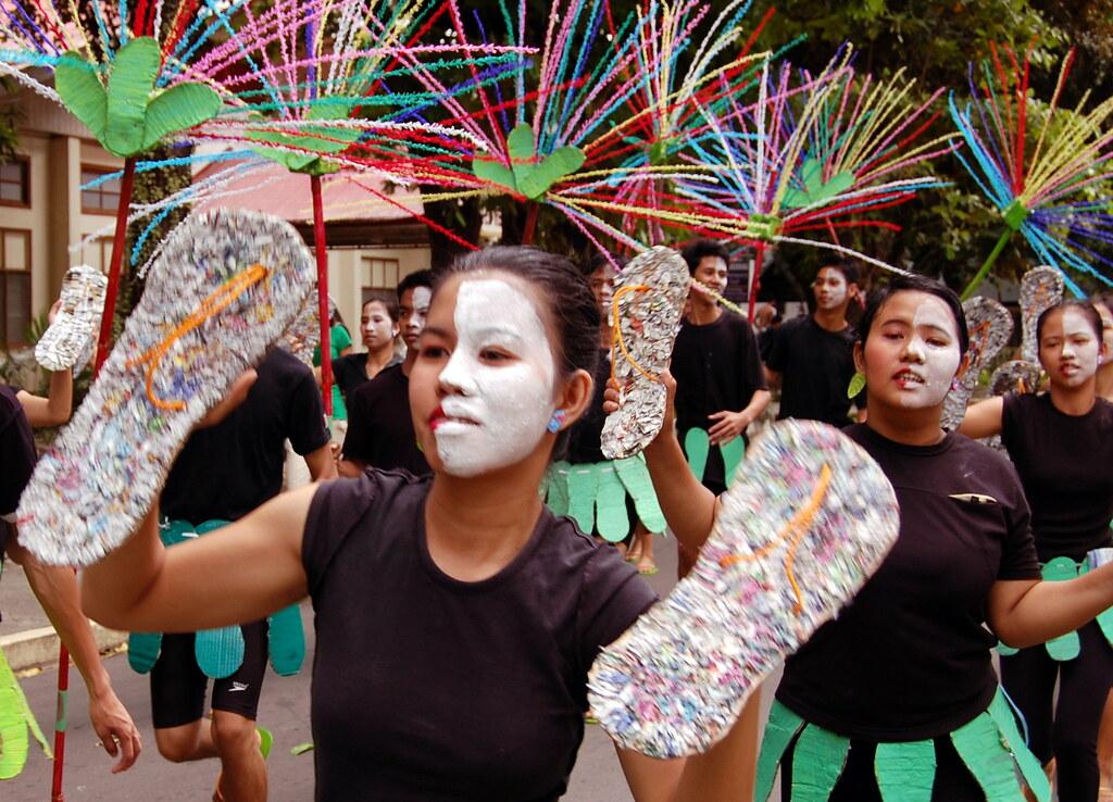 CLSU Street Dance/Parade   The team from Gapan, Nueva ...