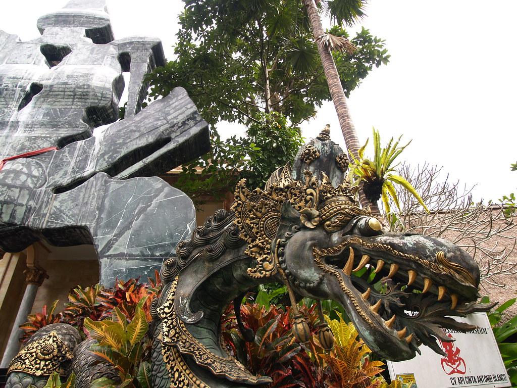 Vagamundos 2006. Ubud. Museo Blanco. Bali. Indonesia