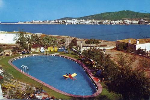 Piscina del hotel san antonio ibiza 1962 jordi for Piscina san antonio