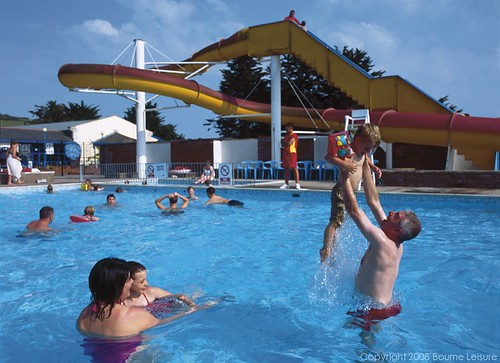 Seaview outdoor pool haven 39 s seaview holiday park has - Swimming pools in weymouth dorset ...