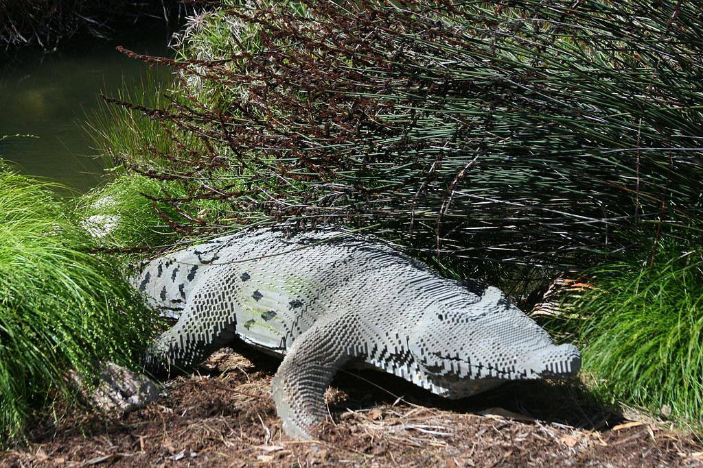 how to make a lego crocodile