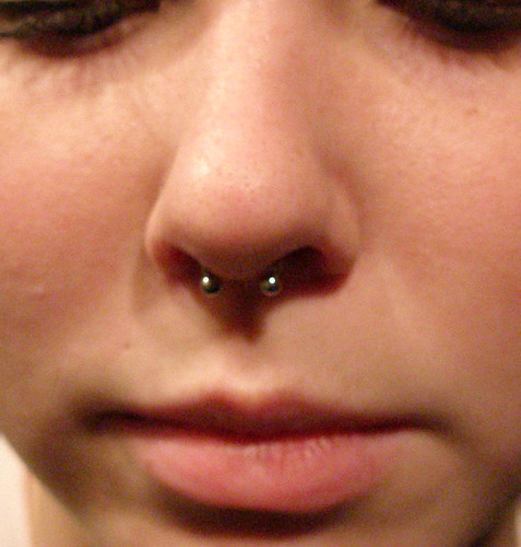 how to change size of septum piercing