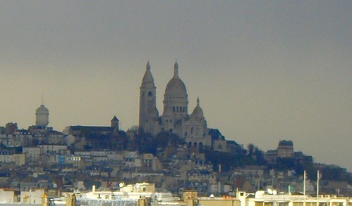 Incredible light, looking towards Montmartre | by La Entropista