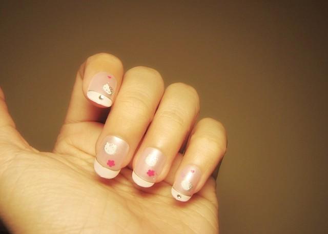Hello Kitty Fake Nail Designs