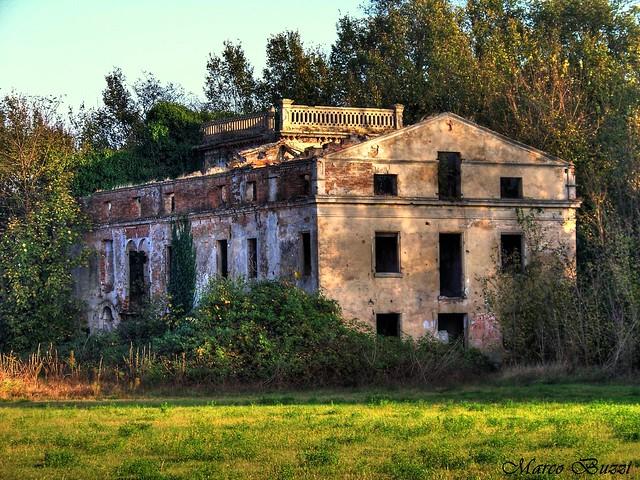 La casa dalle finestre che ridono flickr photo sharing - Casa finestre che ridono ...