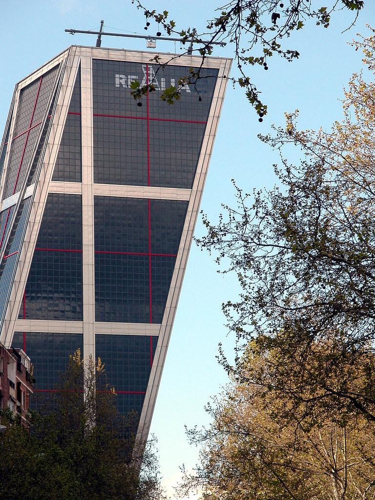 Madrid torres kio 040422 puerta de europa antiguas - Torres kio arquitecto ...