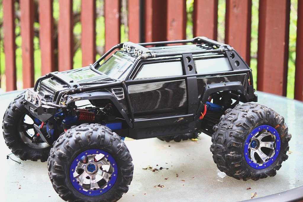 Traxxas Summit RC Truck   Traxxas Summit with the ...