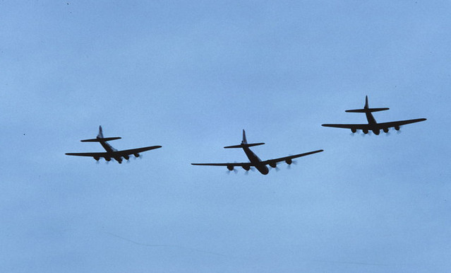 Caf Flyover Two B 17 S Escort B 29 Quot Fifi Quot At Caf Airsho 8 Flickr