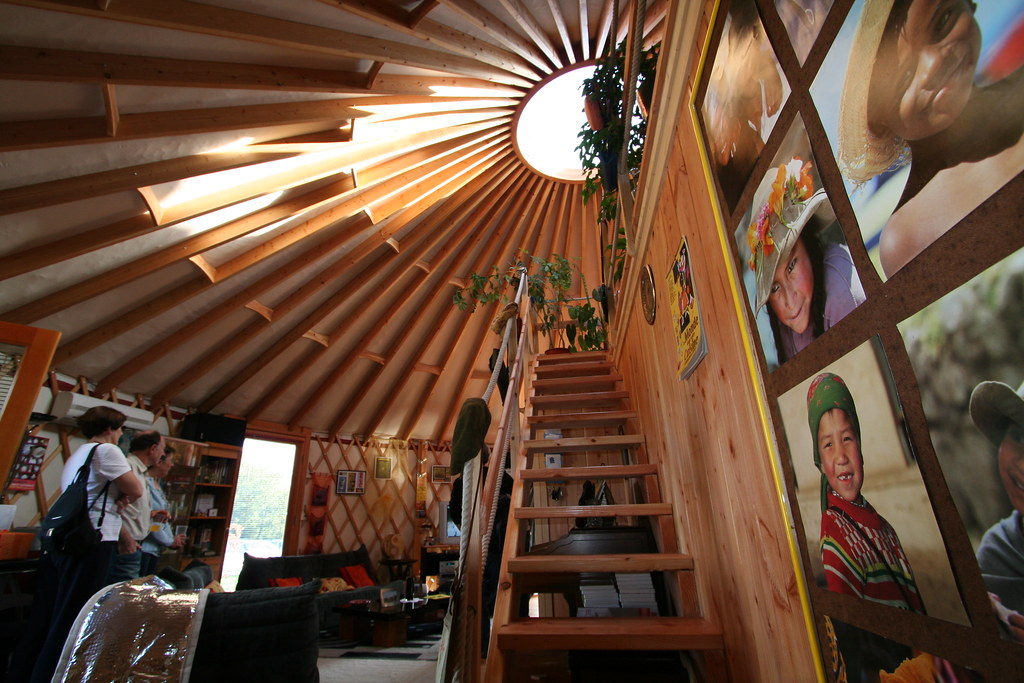 yourte d 39 habitation 092 yourte contemporaine de 68 m us flickr. Black Bedroom Furniture Sets. Home Design Ideas