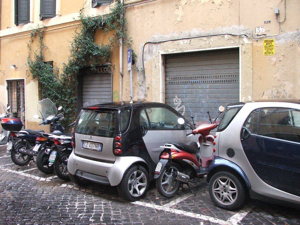 smart cars rome parking is much easier in rome when your flickr. Black Bedroom Furniture Sets. Home Design Ideas
