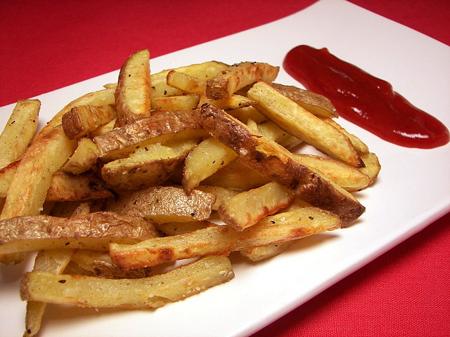 Garlic and Cumin–Seasoned Fries with Chipotle Ketchup | by ...