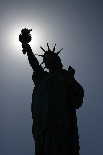 Statue of Liberty Silhouette [iOS4 Retina Display] | Flickr