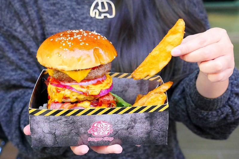 32797083781 08542fc2ba c - 【熱血採訪】堡彪專業美式漢堡:看電影也能享受外帶豪邁工業風漢堡!每層6.5盎司三倍純牛肉起司漢堡真材實料好推薦!