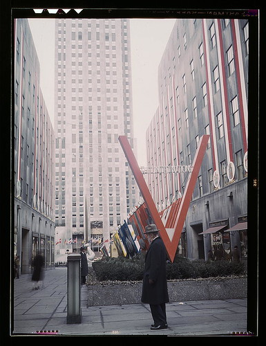 United Nations exhibit by OWI in Rockefeller Plaza, New York, N.Y. View of entrance from 5th Avenue  (LOC) | by The Library of Congress