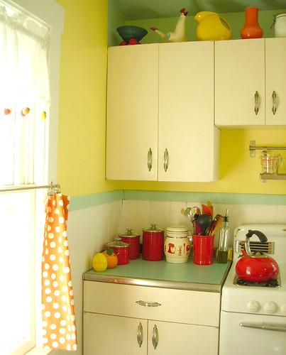 New Metal Kitchen Cabinets: This Kinda Looks Like A Magazine
