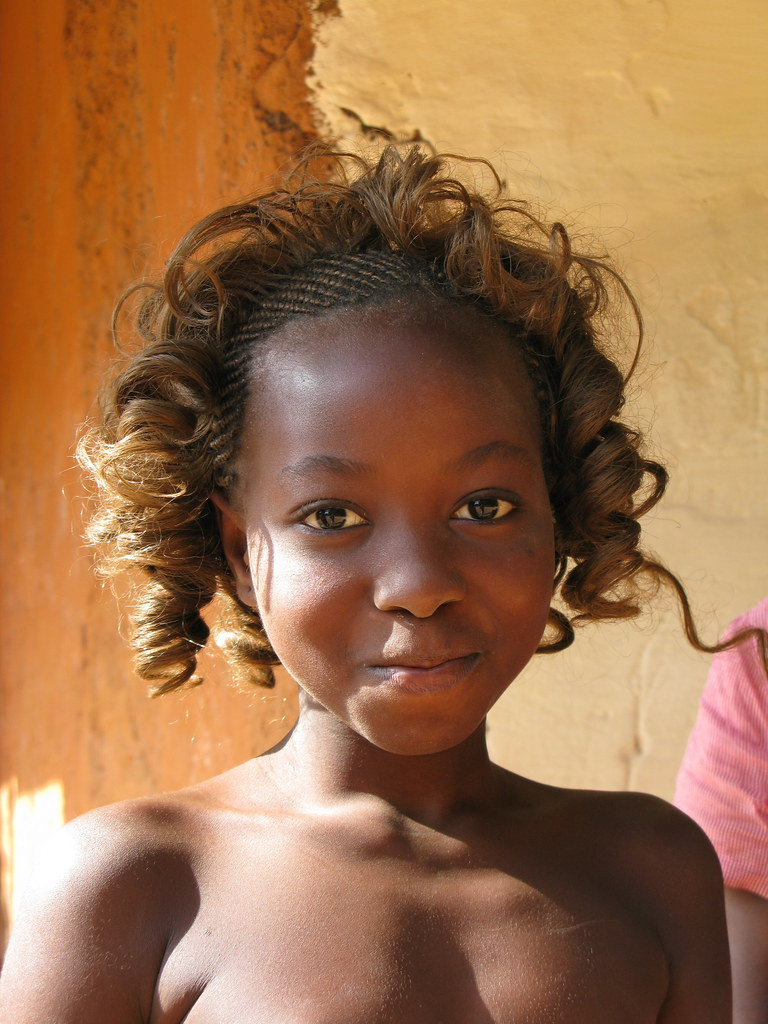 Bolama Girl, Guinea Bissau  Pacificpete  Flickr-1653