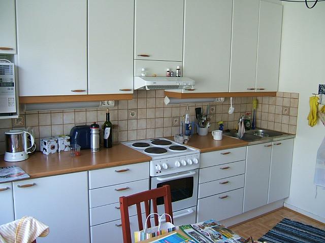 keittiö ikkunan vierestä  Juska Wendland  Flickr