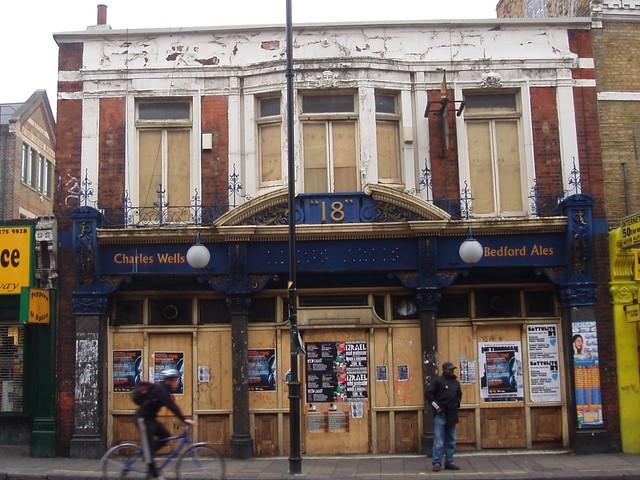 king 39 s arms dalston e8 another sad pub on kingsland. Black Bedroom Furniture Sets. Home Design Ideas