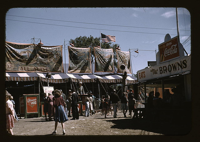 Barker at the grounds of the Vermont state fair, Rutland (LOC)