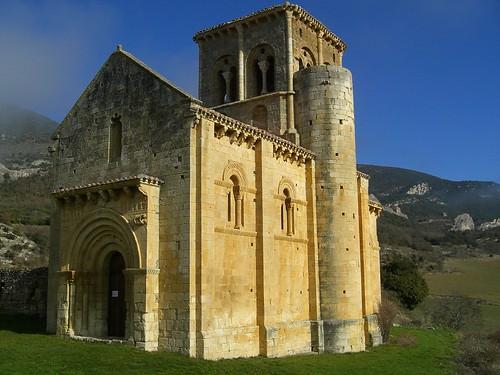 Iglesia rom nica de san pedro de tejada eduardo s nchez for Interior iglesia romanica