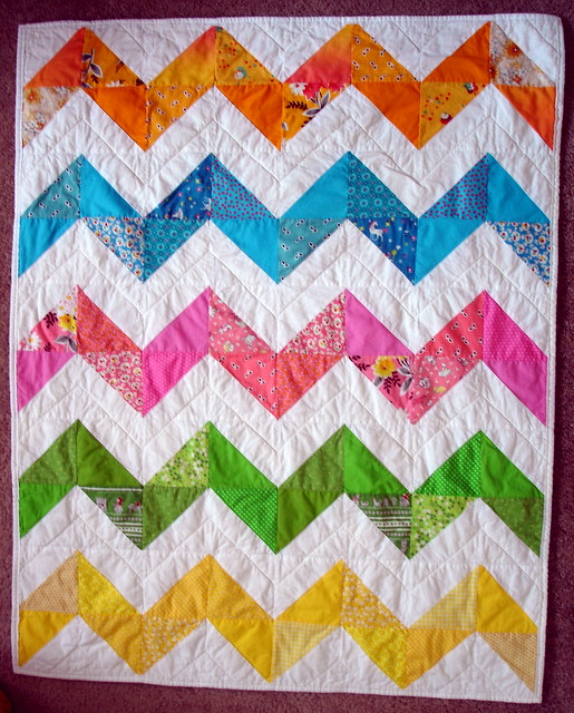 zig zag baby quilt (adapted from Purl Bee and Denyse Schmi? Flickr