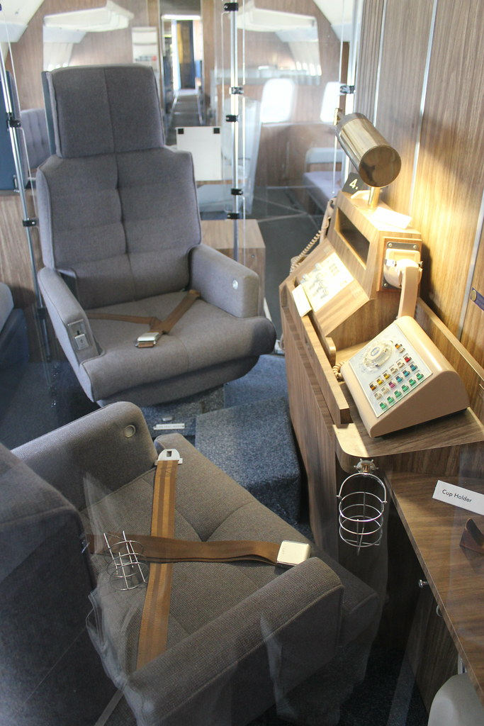 Air Force One Interior Museum of Flight Seattle | This 707 ...