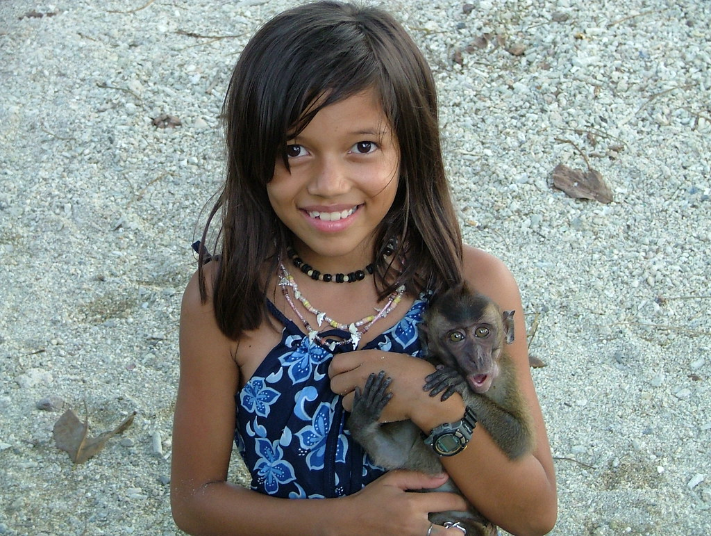 Visayan Filipina Girl With Monkey  A Cute Filipina Girl -5929