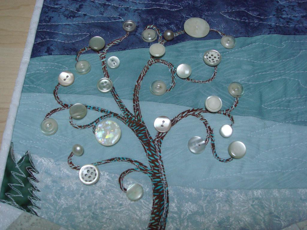 4SQS Winter quilt button tree   A closeup shot of the button…   Flickr : quilt buttons - Adamdwight.com