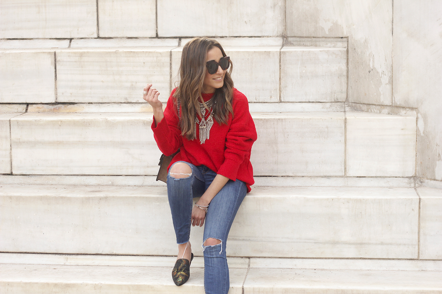 Mules Red sweater Ripped Jeans gucci bag céline sunnies fashion outfit style trend07