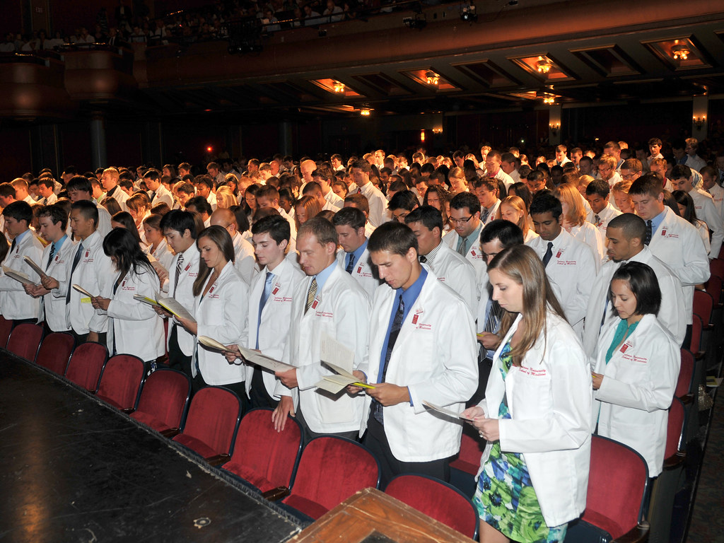 White Coat Ceremony Oath | Students at the 2010 White Coat C… | Flickr