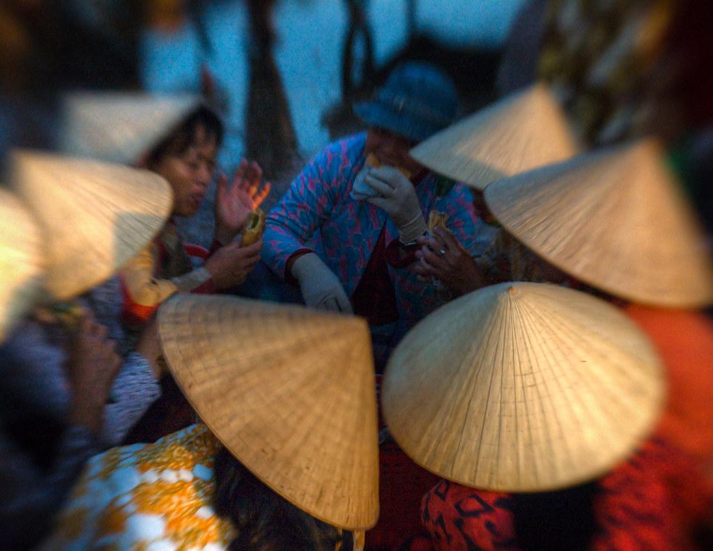 Resultado de imagen de vietnamese hats